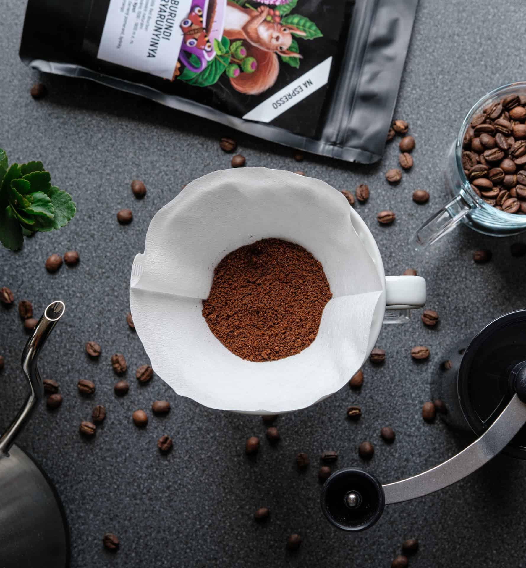 Zrnková nebo mletá káva